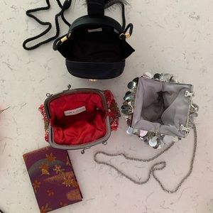 Lot of 4 women's pocket accessories -purses/mirror